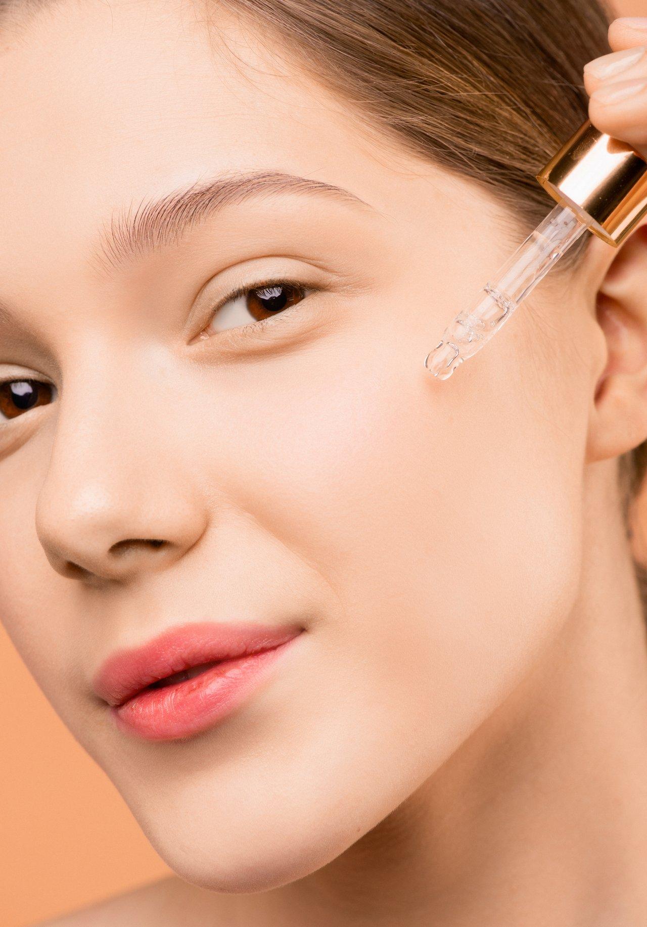 A Dermaviduals filozófiája a Corneoterápia  – az egészséges bőr megőrzésének és helyreállításának tudománya.
